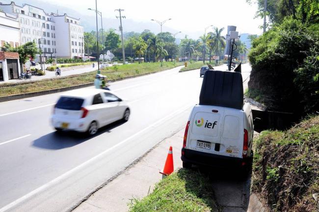"""""""Se acaban las fotomultas con el carro en movimiento en Floridablanca"""": Alcalde"""