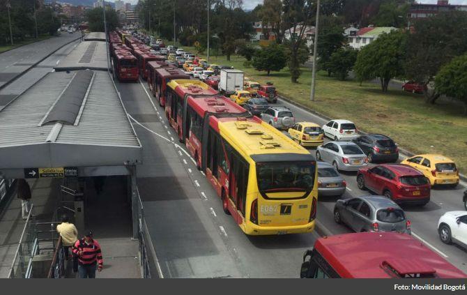 Transporte de pasajeros en sistemas masivos cayó 1.7% en el tercer trimestre del año