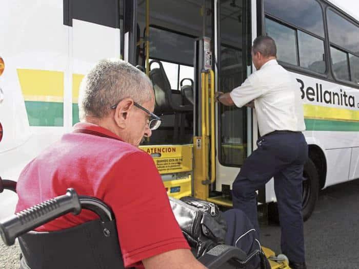 Fijan plazo para que transportadores instalen accesos de discapacitados