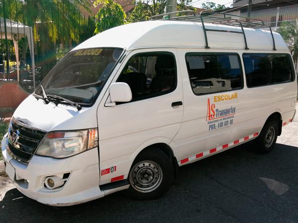 transporte especial de pasajeros en micro